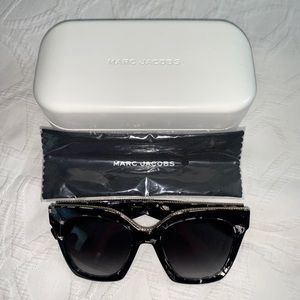 Marc Jacobs 52MM Cat Eye Sunglasses with Case.